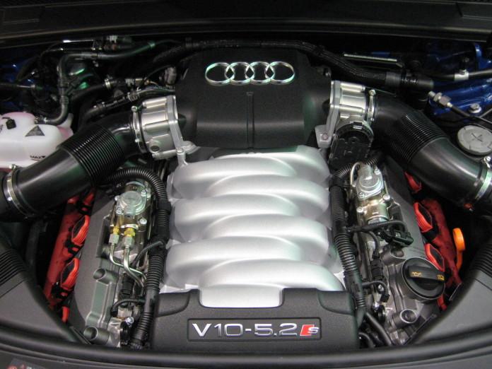 Audi_S6_Engine-v10