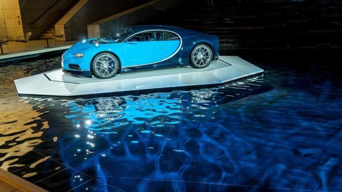 Bugatti_Chiron_at_the_Foundation_Louis_Vuitton_02