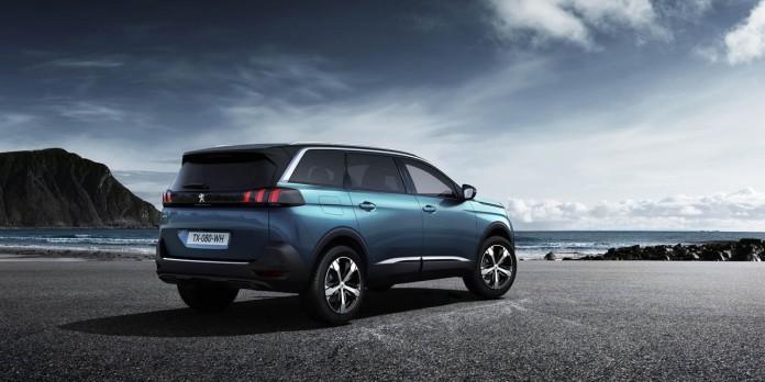 Peugeot-5008-2017-02