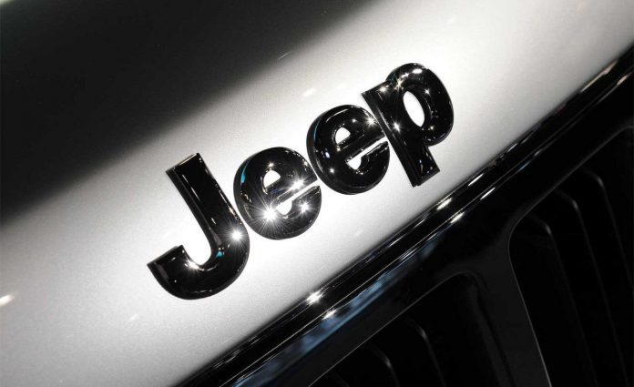 2011-jeep-grand-cherokee-hood-badge-photo-271004-s-1280x782