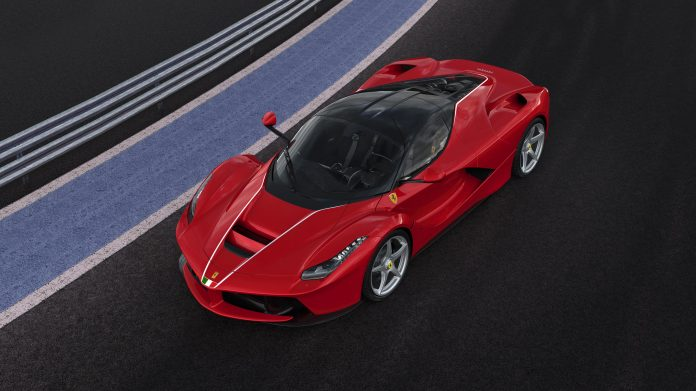 ferrari-laferrari-charity-2