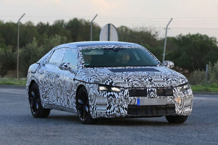 volkswagen-arteon-spy-photos-2