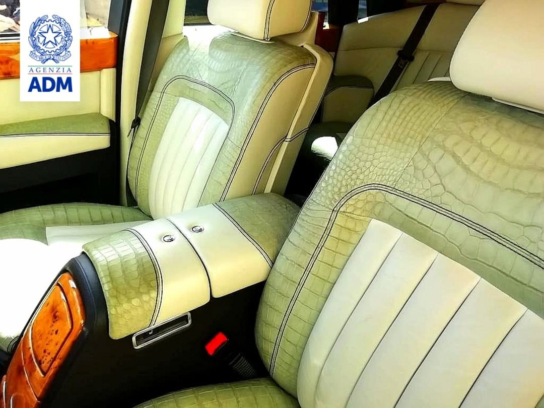 Αυτή η Rolls-Royce Phantom κατασχέθηκε επειδή έχει εσωτερικό από δέρμα κροκοδείλου - Autoblog.gr