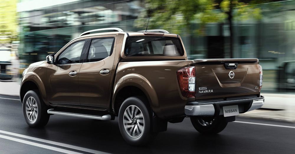 2015 Nissan Frontier Brown