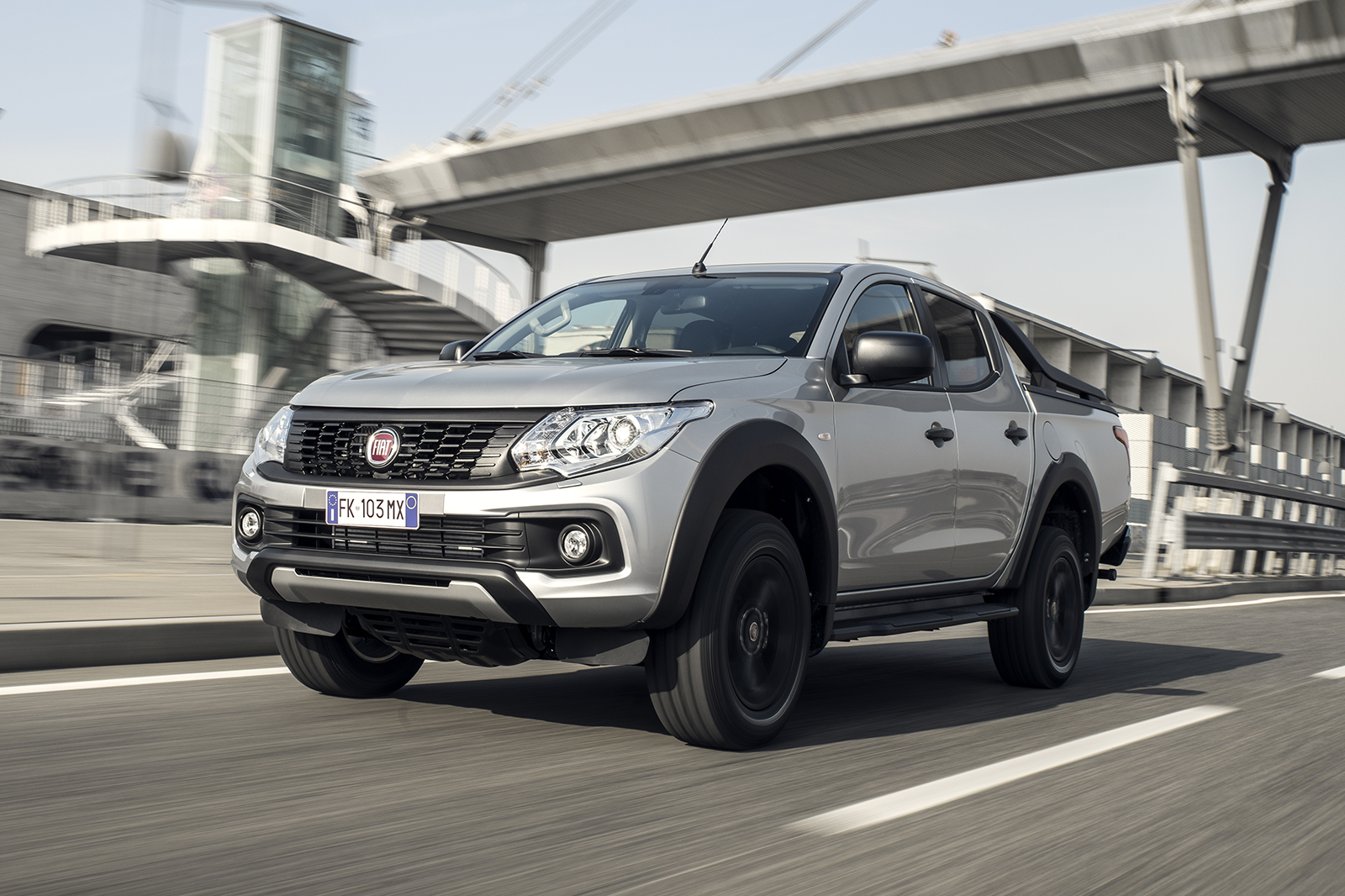 hight resolution of fiat fullback cross 2017 review