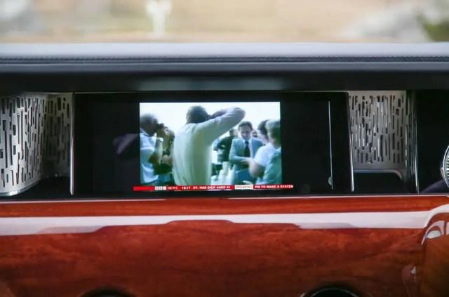 Rolls Royce Phantom 2018 review infotainment TV