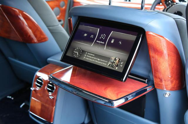Rolls Royce Phantom 2018 review rear seats screens