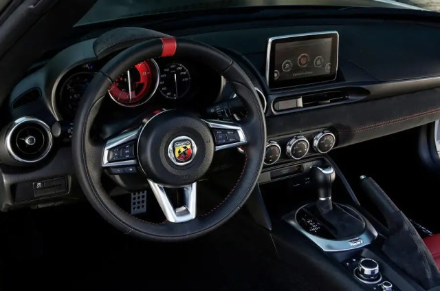 Abarth 124 GT review 2018 steering wheel