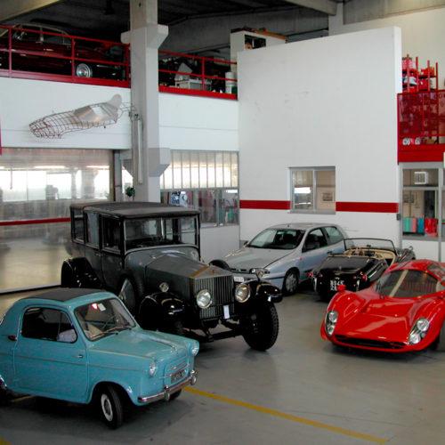 Rolls Royce, Vespa 400, Ferrari, Triumph