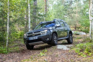 2014 Renault Duster Facelift in action