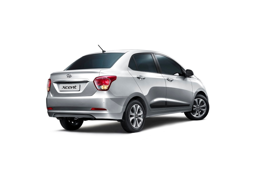 2014 Hyundai Xcent rear three quarter