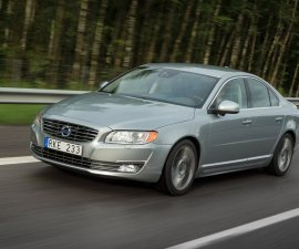 2014 Volvo S80 front three quarters