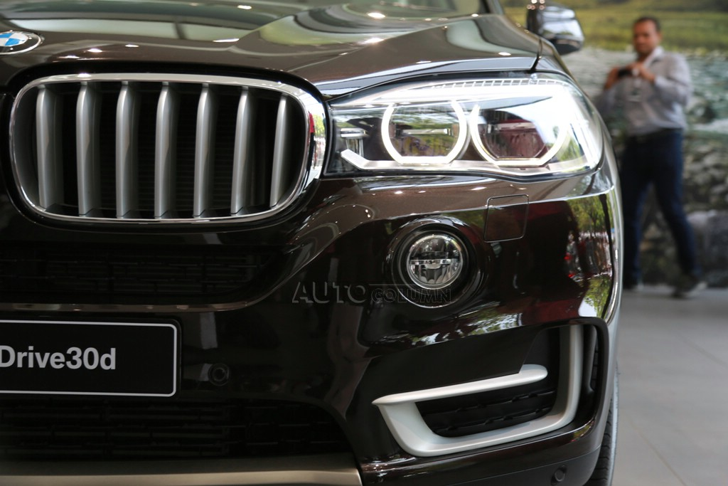 2014 BMW X5 LED headlamp and LED foglamp