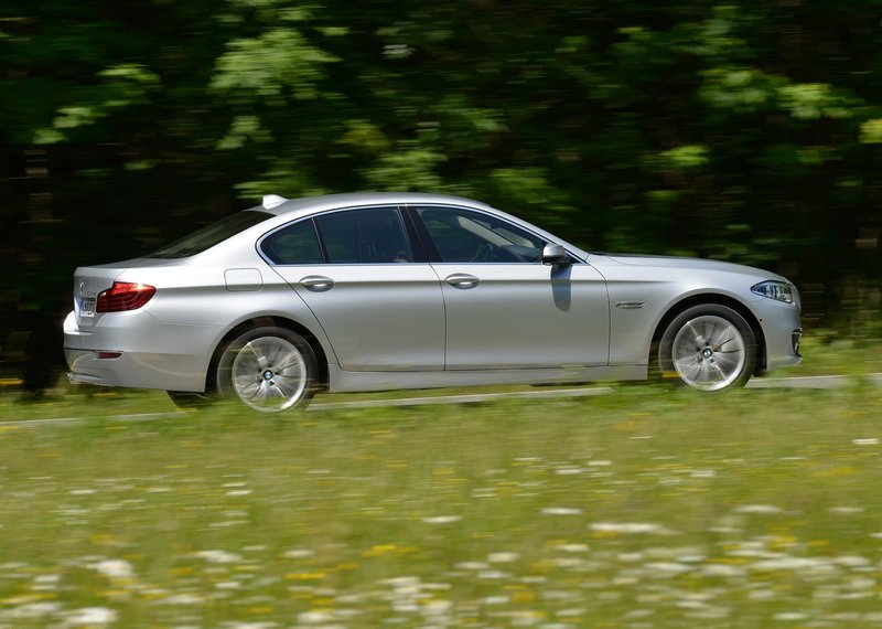 2014 BMW 520d side profile