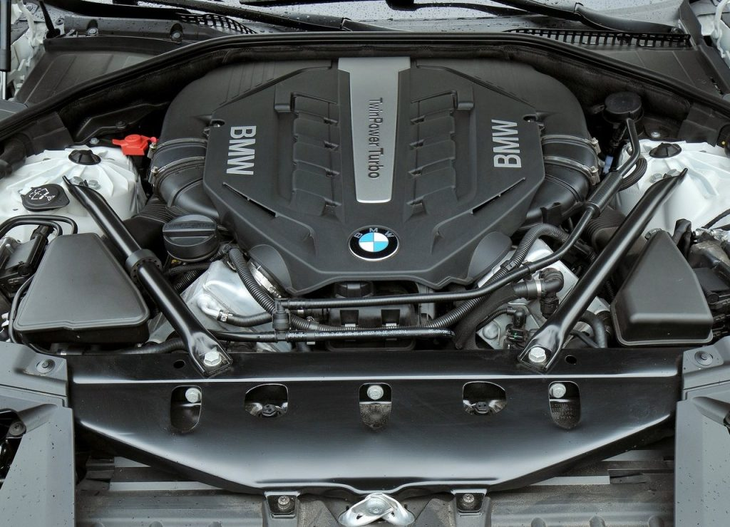 2014 BMW 7 series engine