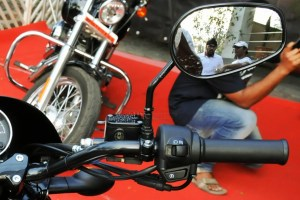 2014 Harley Davidson street 750 switches right