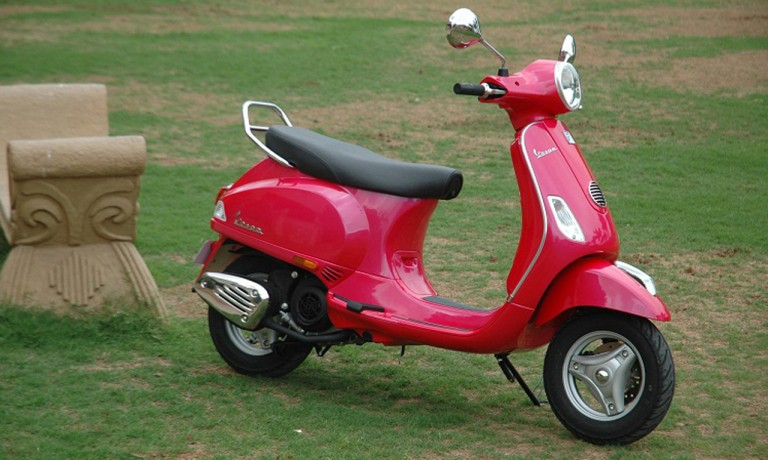 2013 Vespa VX side profile