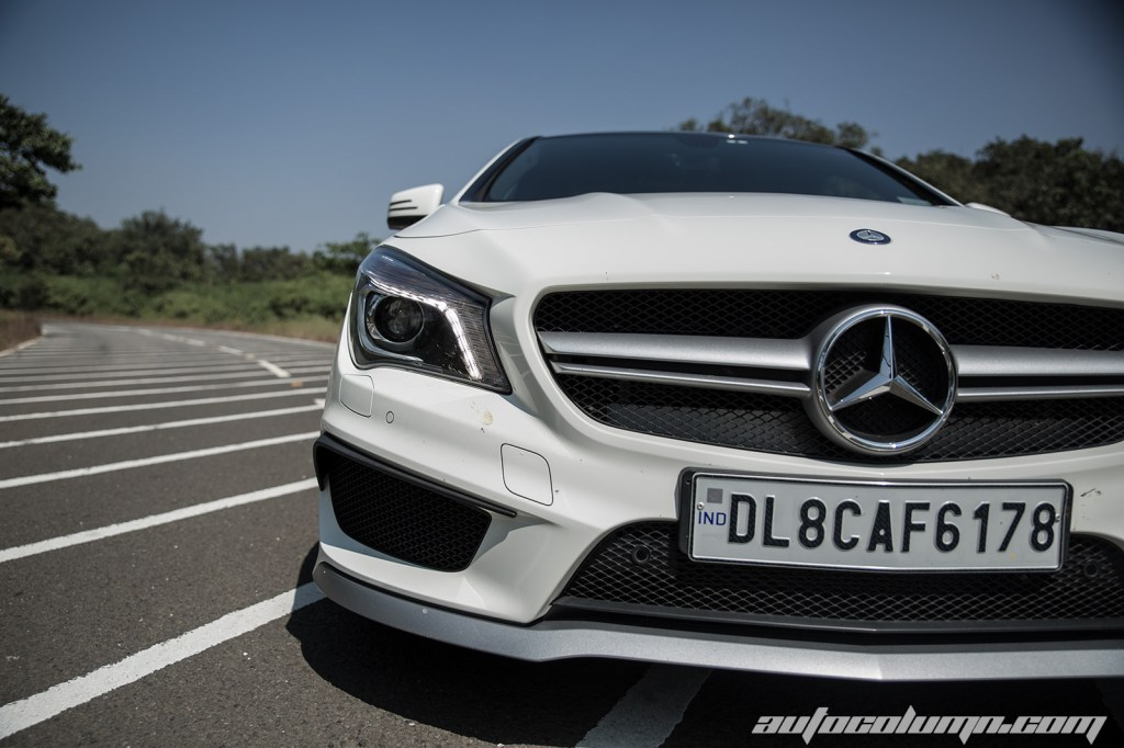 2014-Mercedes-Benz-CLA-45-AMG-grille-closup