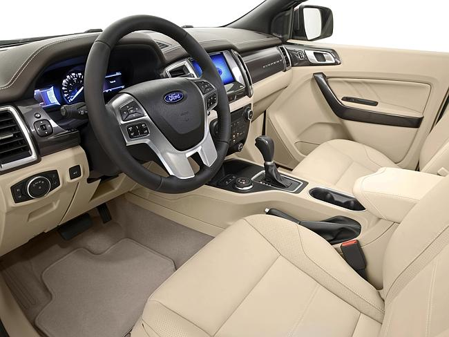2015 Ford Endeavour interiors