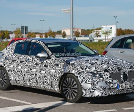 2017 Mercedes Benz E-Class front three quarters