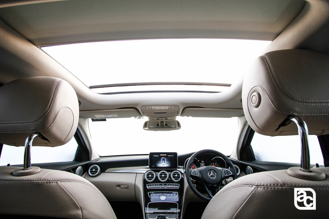 2015 Mercedes Benz C200 interior