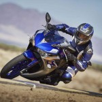 Yamaha R3 launched at 3,25,000