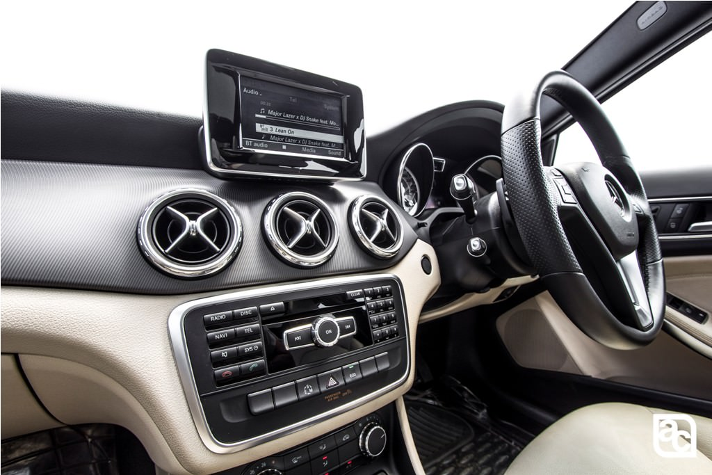 2016-Mercedes-Benz-GLA-ac-vents
