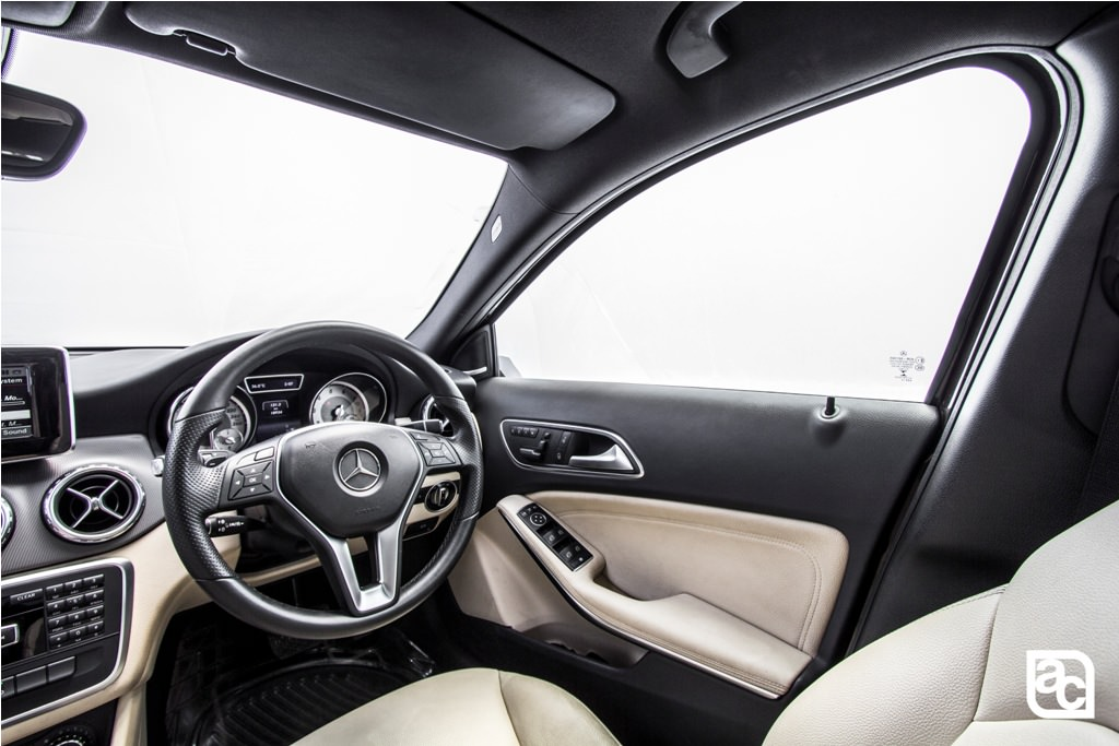 2016-Mercedes-Benz-GLA-driver-side-view
