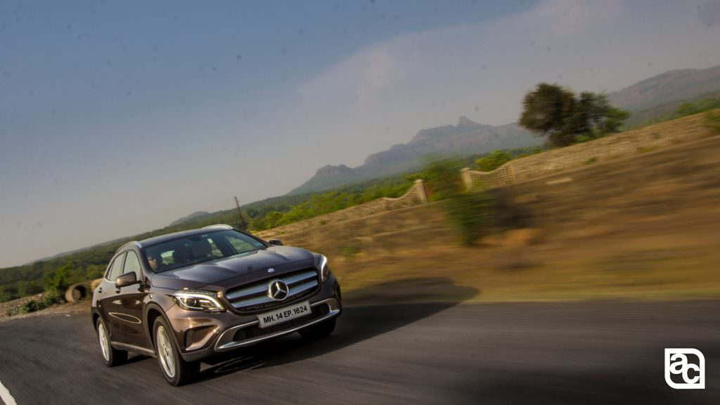2016-Mercedes-Benz-GLA-in-its-element