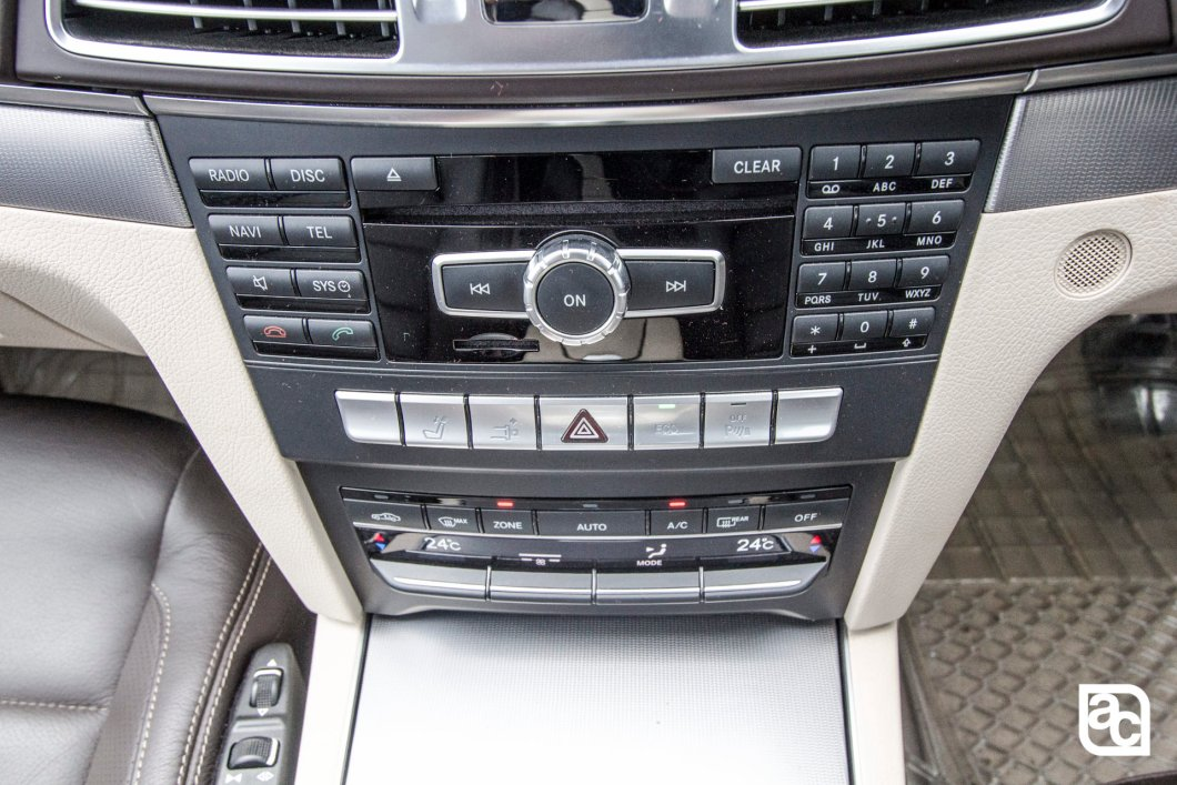 2015 Mercedes Benz E400 Audio unit