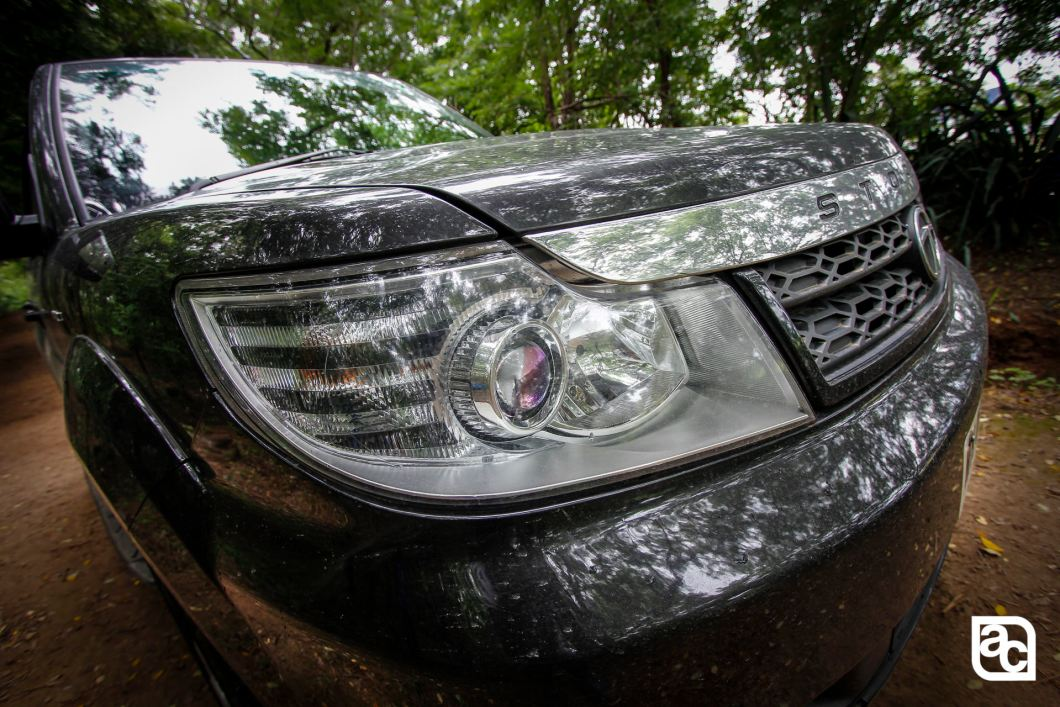 2015 Safari Storme front headlamp