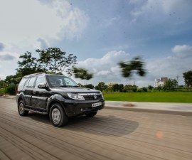 2015 Safari Storme front three quarters