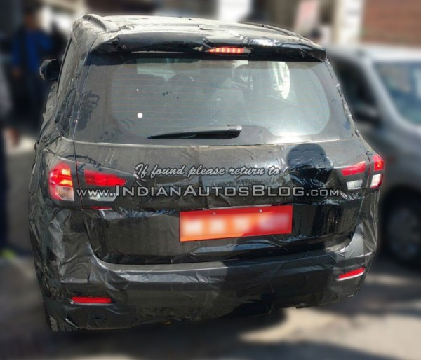 2016-maruti-yba-spy-rear
