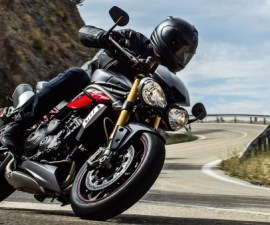 2016-triumph-speed-triple-r-&-s-front