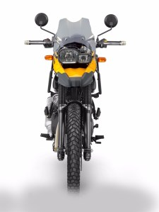 Royale enfield Himalayan with BMW GS800 front