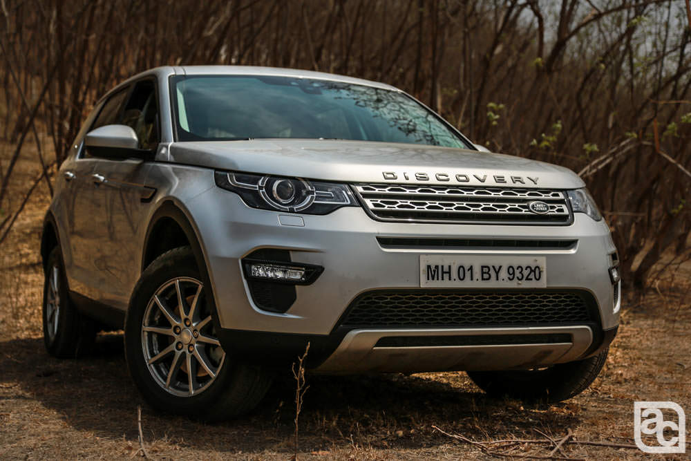 2016 Land Rover Discovery Sport front three quarters