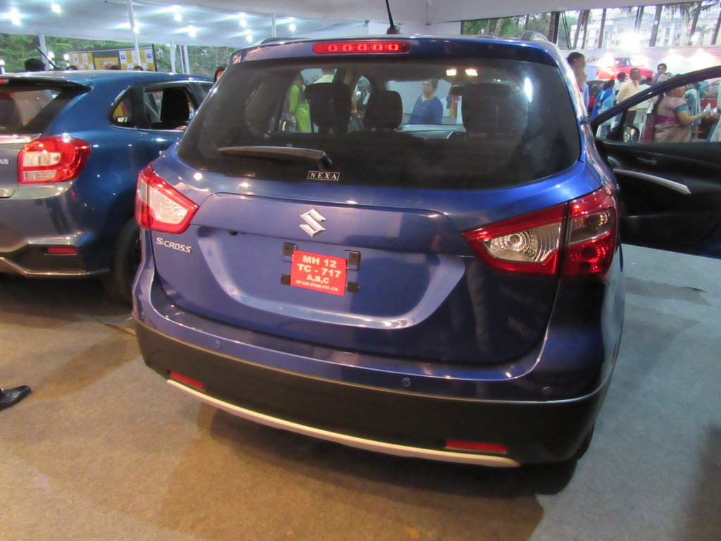 S-cross Rear View