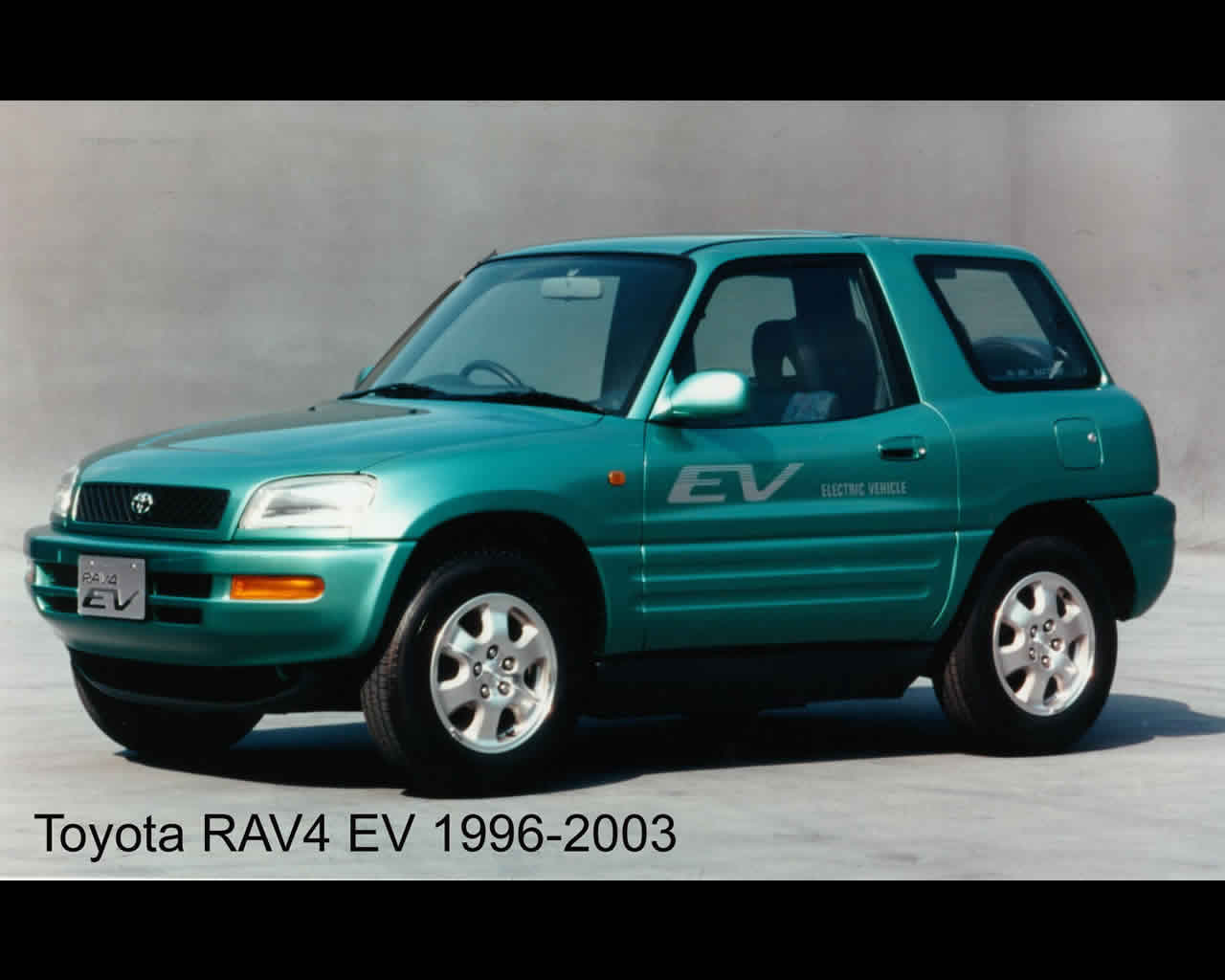 hight resolution of toyota rav 4 electric car 2011 and 1996 green rav4