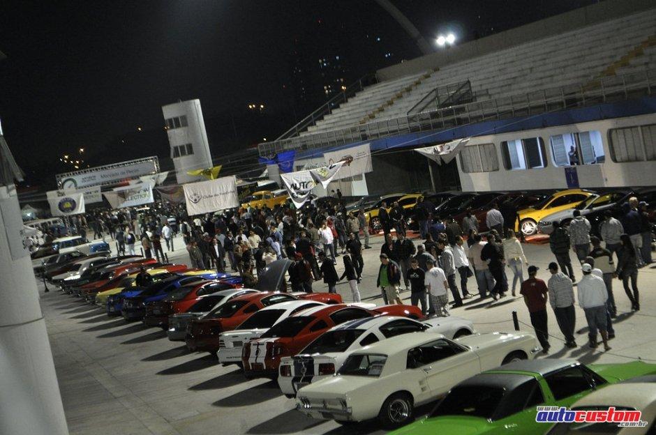 Noite do Mustang 2011 no Auto Show Collection