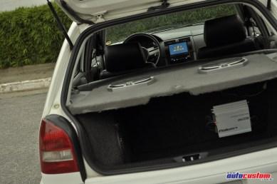 Subwoofer porta-malas DVD volante Rallye Gol G3 branco