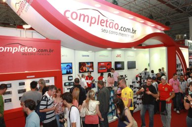 completao-stand-publico-salao-do-automovel-2012