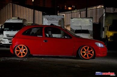 rodas-laranjas-tampa-cromada-celta-2012