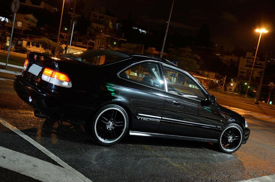 Honda Civic Coupe 1997 com rodas aro 17