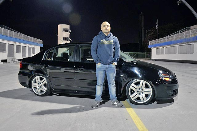 Polo Sedan 2008 modificações OEM+, aro 17 e som multimídia