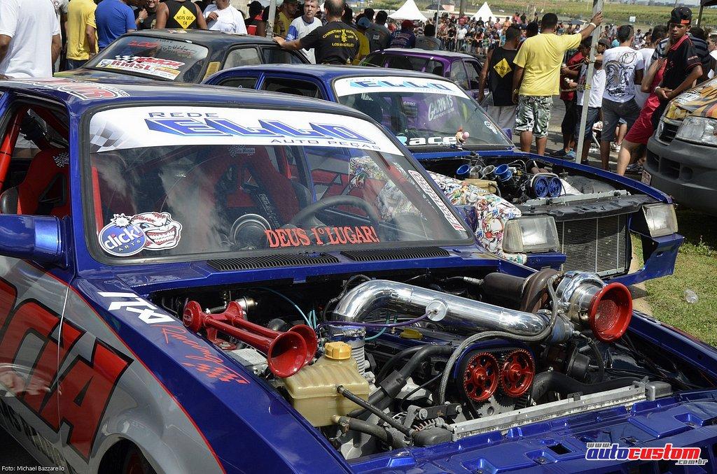 9-mega-motor-2013-burnout-wheeling-carros-som-069