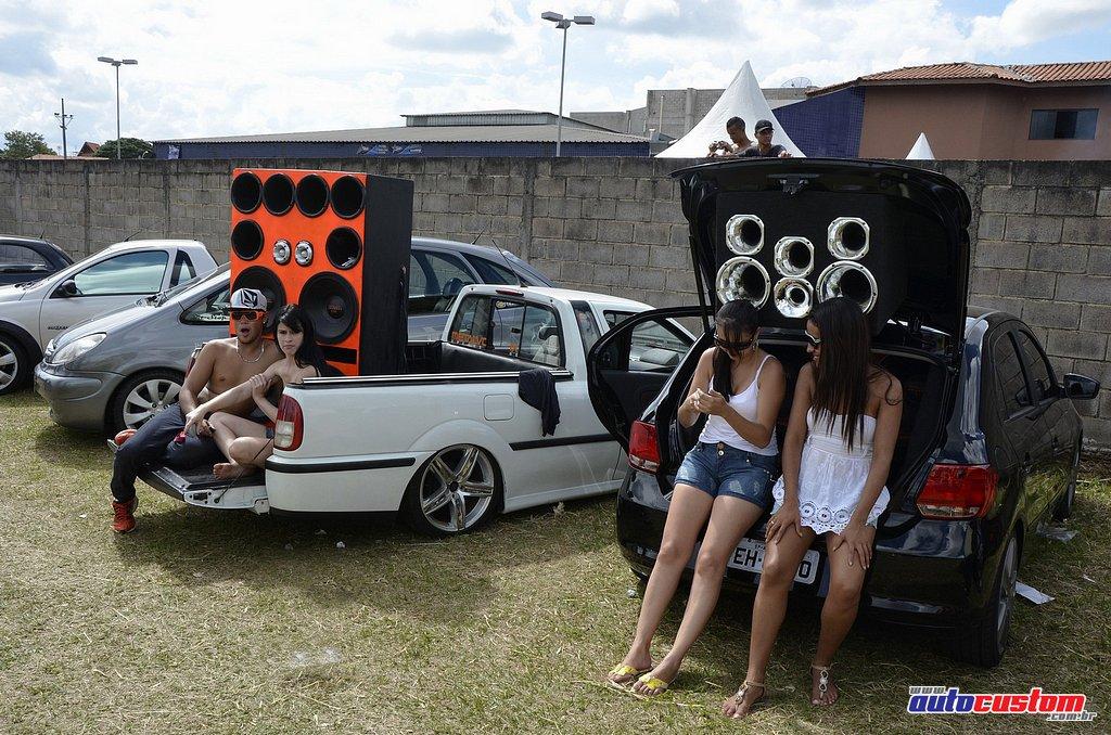 9-mega-motor-2013-burnout-wheeling-carros-som-089