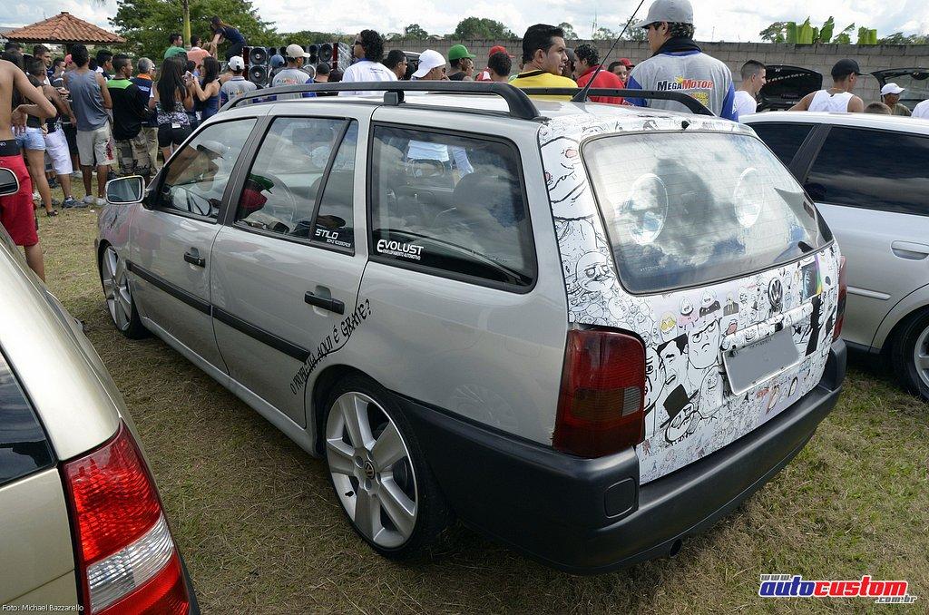 9-mega-motor-2013-burnout-wheeling-carros-som-111