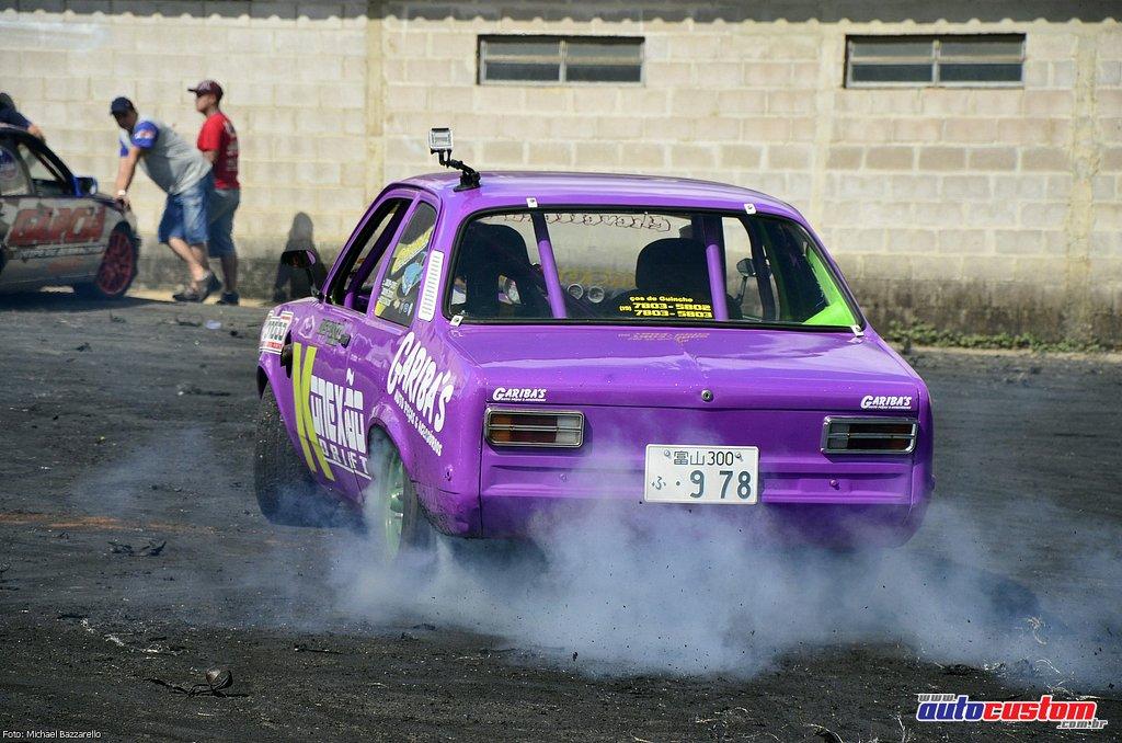 9-mega-motor-2013-burnout-wheeling-carros-som-155