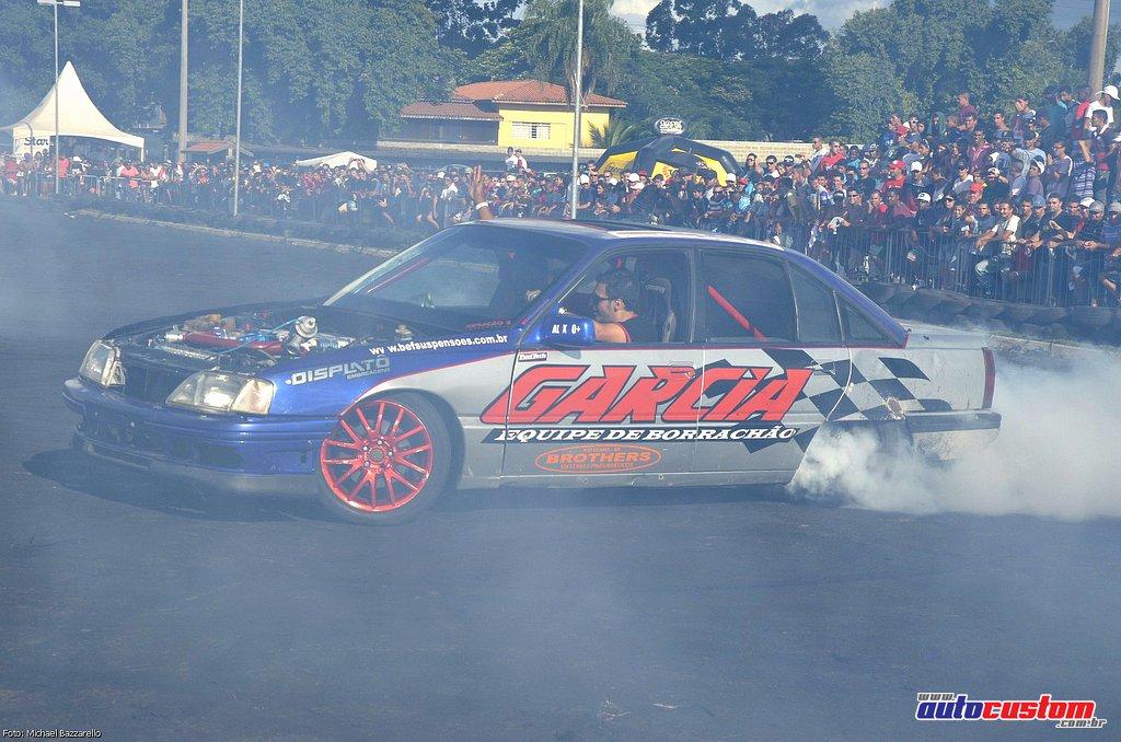 9-mega-motor-2013-burnout-wheeling-carros-som-203