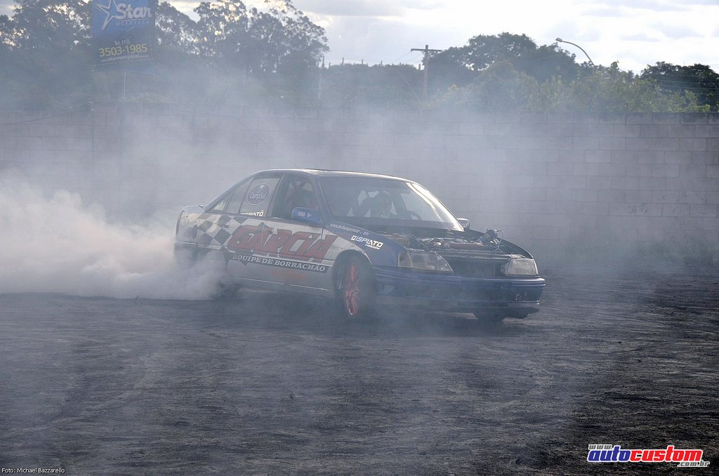9-mega-motor-2013-burnout-wheeling-carros-som-206